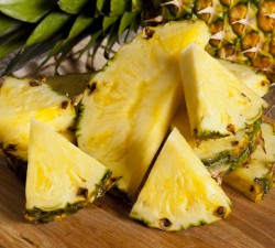 Borges - Tip: How to peel a pineapple