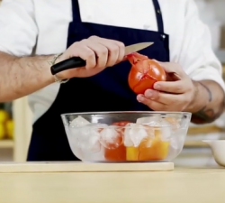 Borges - a quick and easy way to peel tomatoes