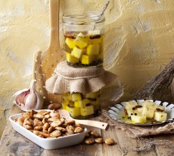 Borges - appetisers and snacks with olive oil and nuts